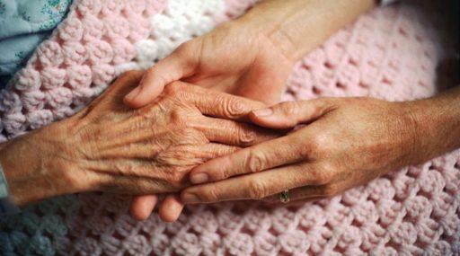 Anciano dependiente: plan de cuidados familiares