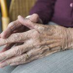 Breve reflexión sobre el trabajo con personas mayores