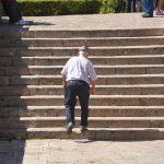 Cambios en el equilibrio corporal en el envejecimiento.