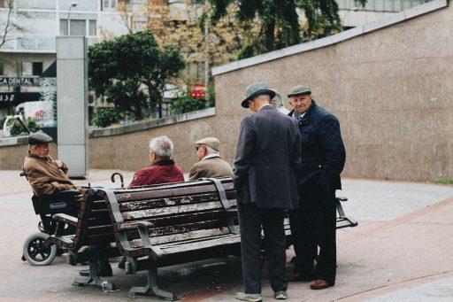 Se debe considerar la experiencia de los ancianos.